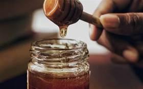 這才是蜂蜜最營養的吃法!止咳、護胃、補虛…身體更受益!但兩類人最好別碰